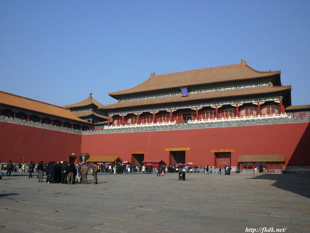 午門 > 午門 午門は、故宮(紫禁城)の南側の入り口の門です。 中国、台湾の壁紙一覧 故宮(紫禁