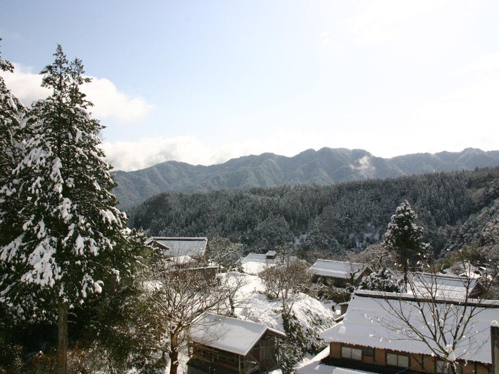 雪の农村风景 风景写真无料壁纸