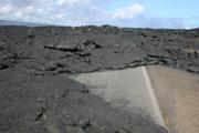 溶岩と道路1の壁紙