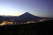 富士山の夜景の壁紙