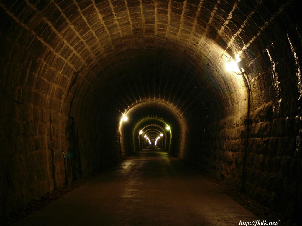 天城トンネル内部