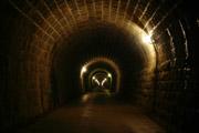 天城トンネル内部の壁紙