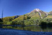 大正池と焼岳の壁紙