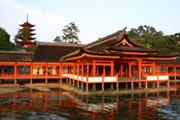 夕方の厳島神社の壁紙