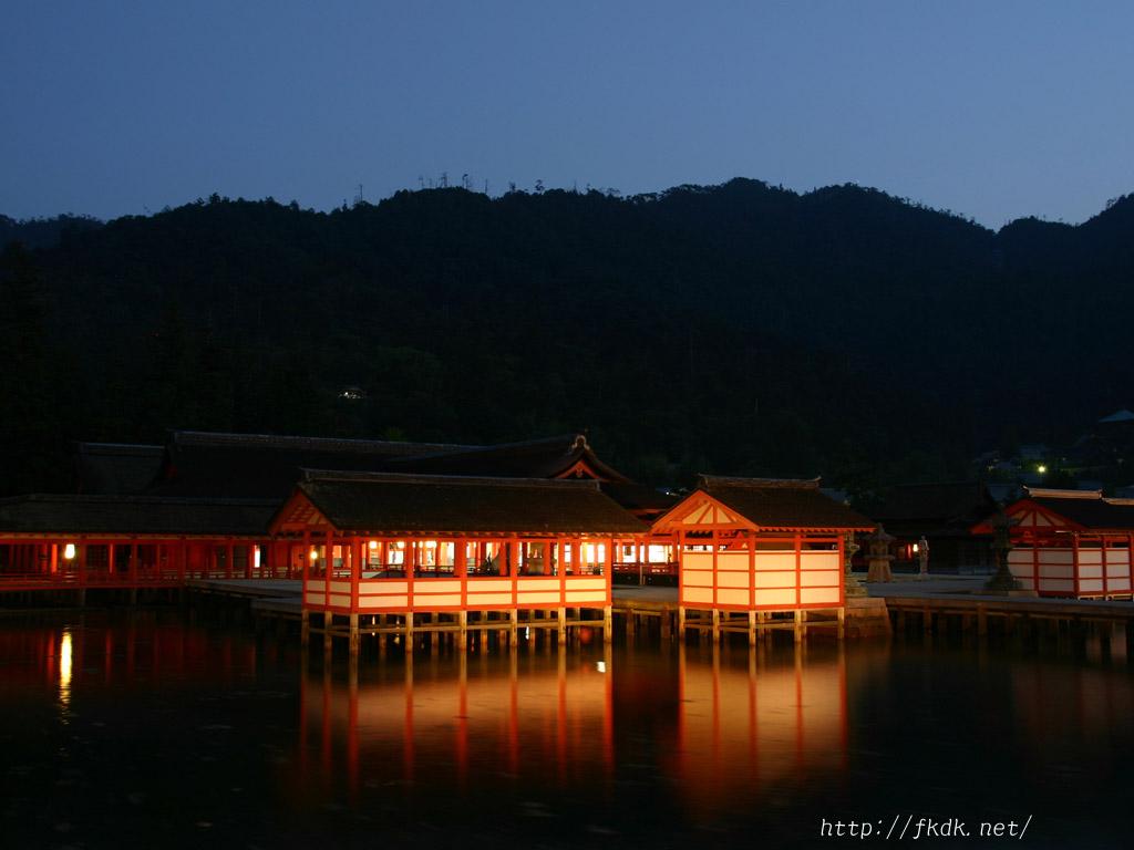 厳島神社ライトアップ