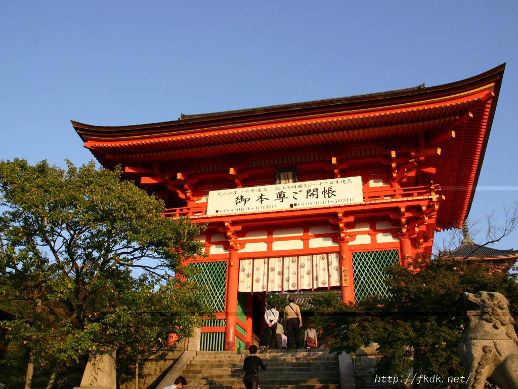清水寺入り口の門