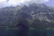 スイスの湖と山の壁紙