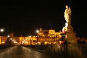女神像とメスキータの壁紙