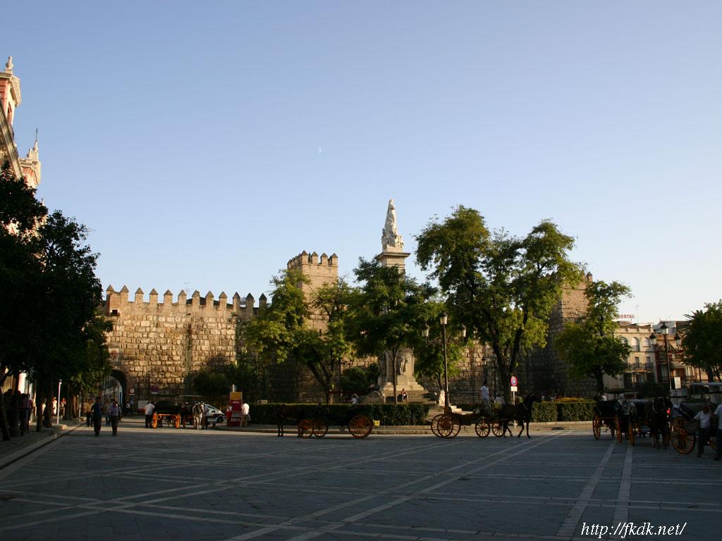 アルカサル前の広場