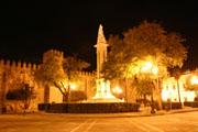 アルカサル前の広場夜景の壁紙